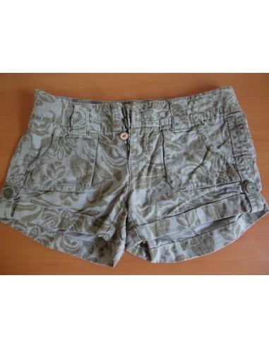 Pantaloni de dama scurti American Eagle