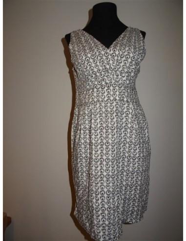 Rochie elastica cu model