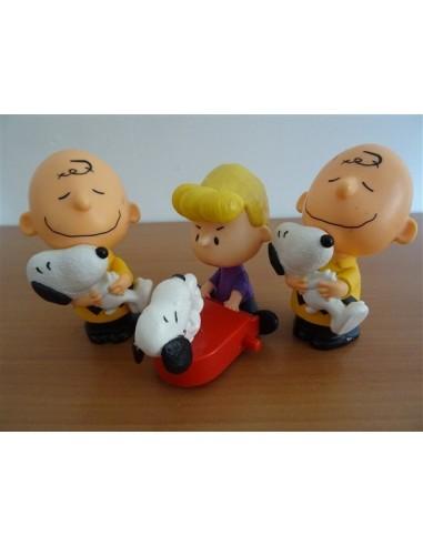 Set trei figurine baietel cu catel Mc...