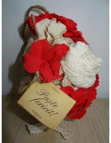 Ou decorativ cu floricele pentru Paste