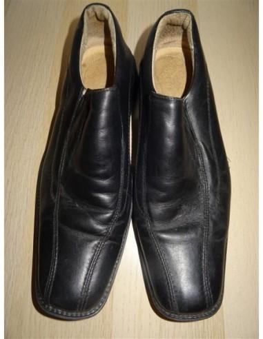 Pantofi pentru barbati culoare negru...
