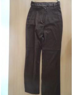 Pantaloni negri cu buzunare la spate NafNaf