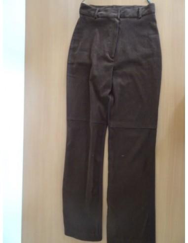 Pantaloni negri cu buzunare la spate