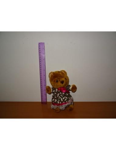 Ursulet de plus maro cu rochita colorata