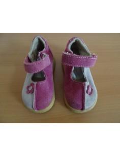 Pantofiori roz cu baretica
