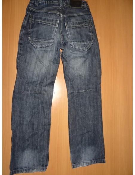 Jeans ''rupti'' baieti