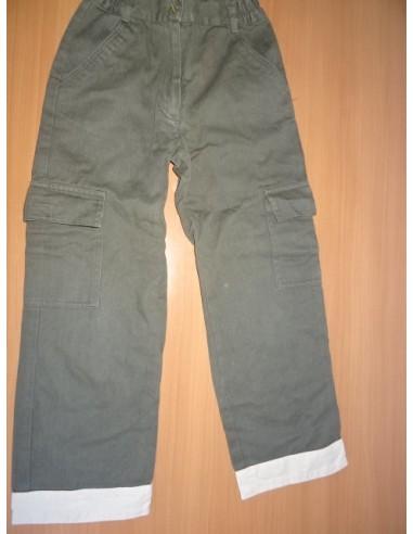 Pantaloni gri cu buzunare baietei