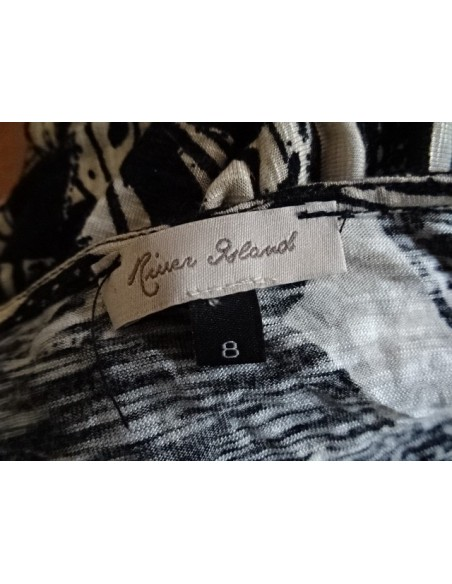 Bluza neagra cu alb cu imprimeu fluture