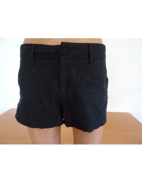 Pantaloni scurti STRADIVARIUS