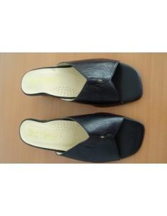 Papuci din piele ,cu toc mic