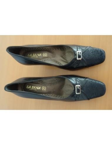 Pantofi cu catarama , Italia