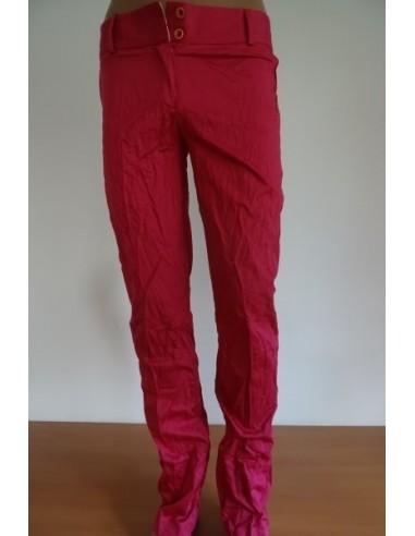 Pantaloni roz, dama