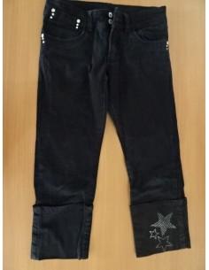 Jeans trei sferturi cu stelute argintii