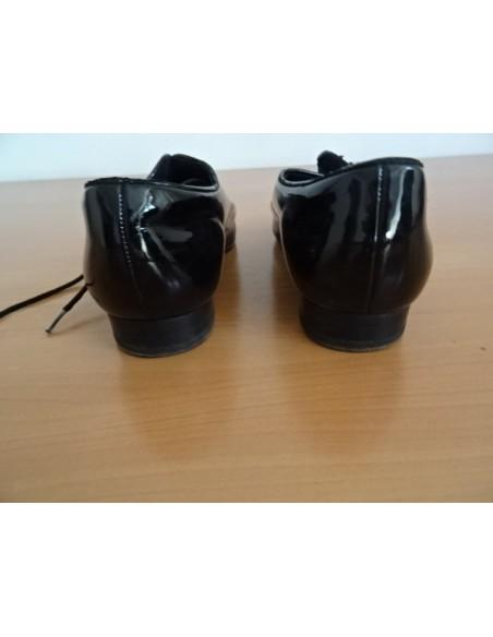 Pantofi de lac  cu siret , baietei (lipseste un siret)