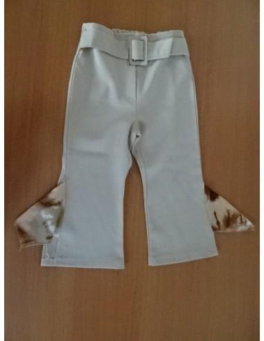 Pantaloni cu'' aripioare''