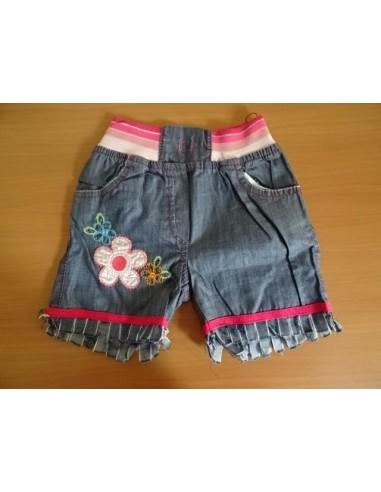 Pantaloni scurti cu floricica