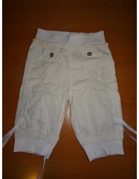 Pantaloni albi trei sferturi