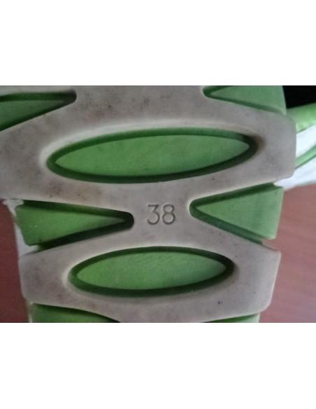 Adidasi cu siret elastic