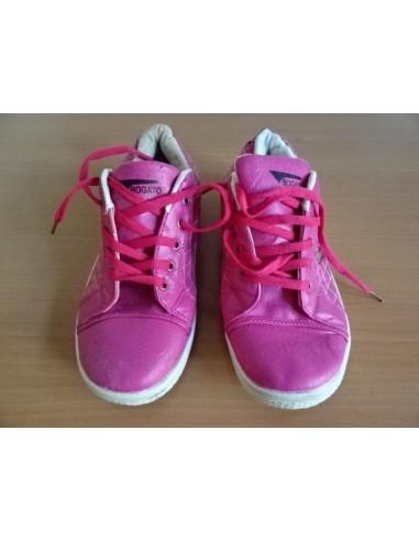 Adidasi roz