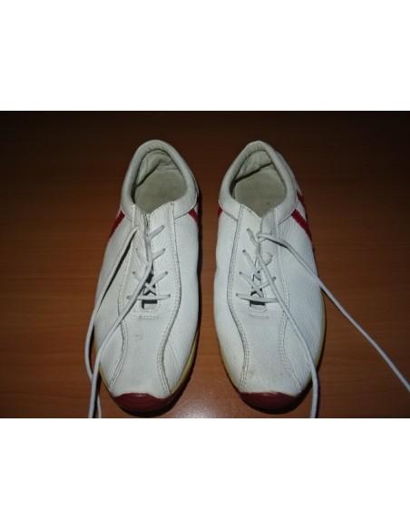 Pantofi sport cu siret